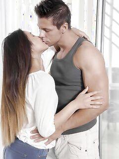Анальный секс с молодой 18 летней узбечкой (15 фото) - порно фото