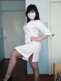 Сексуальные девушки медсестры: голые и в одежде (25 фото) - порно фото