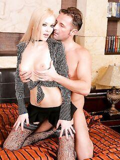Выебал и кончил в блондинку (15 фото) - порно фото